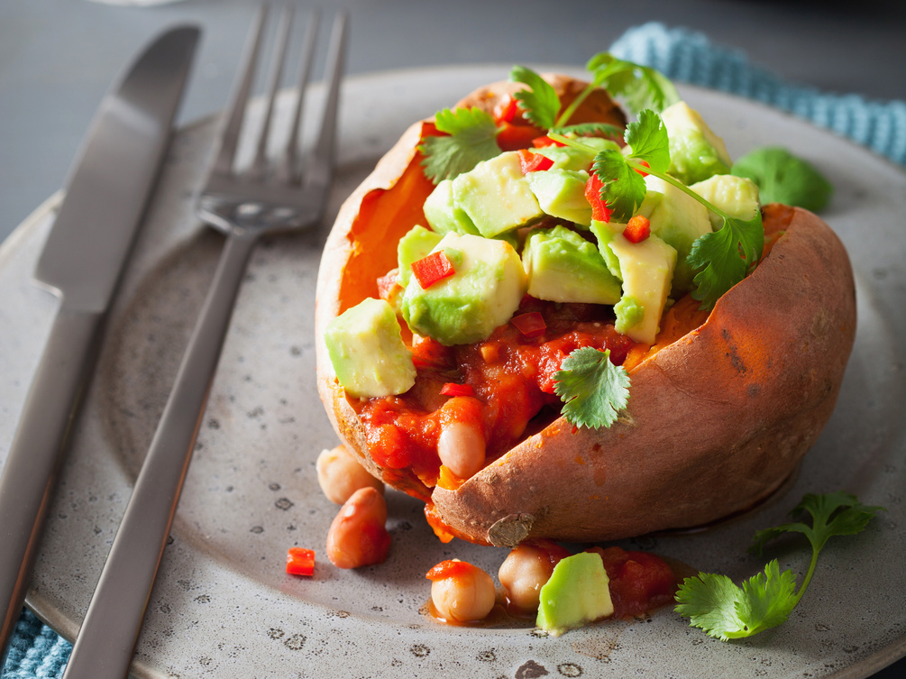 Sweet potato with spicy salsa, chickpeas and avocado