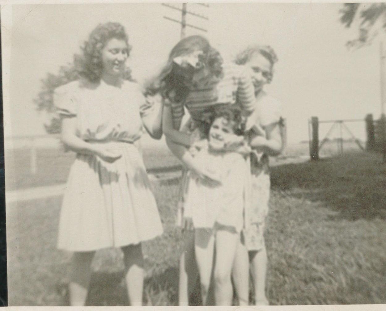 Girls_1940s