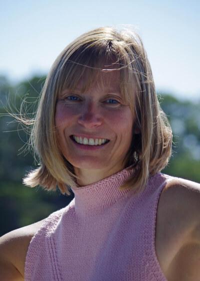 Melanie MacFarlane Headshot