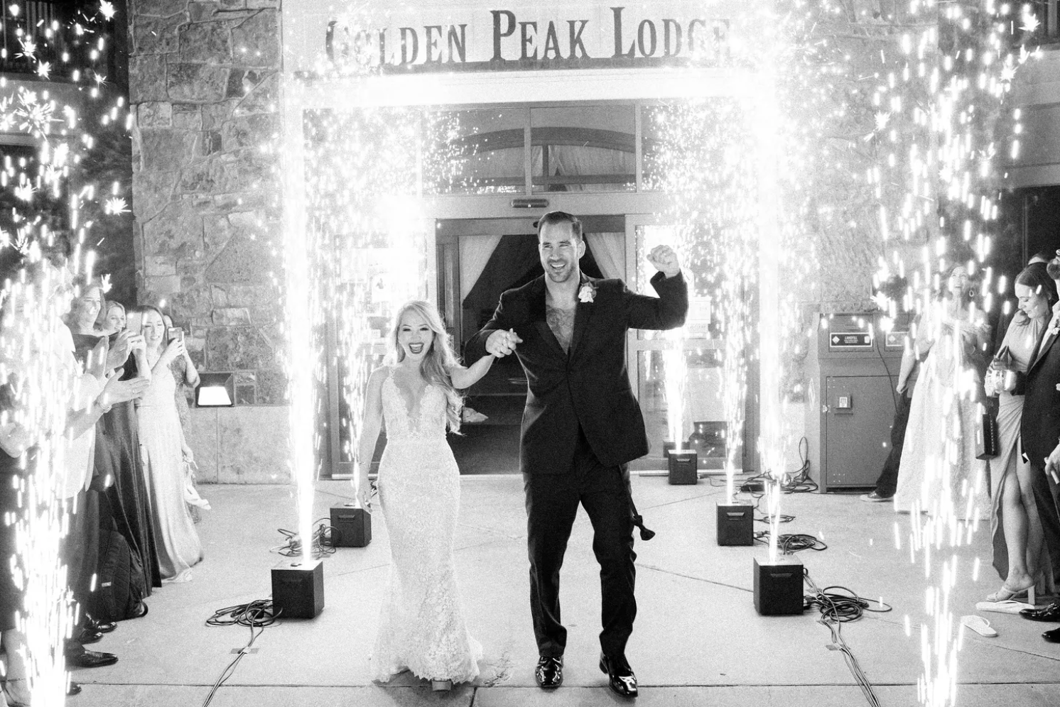 Florida-based Melissa and Steven come to Vail, Colorado, every year to ski and have fallen more and more in love with the mountain town over the years. So, when it came time to settle on a location for their elegant wedding with an all-white color palette, Vail was a no-brainer.