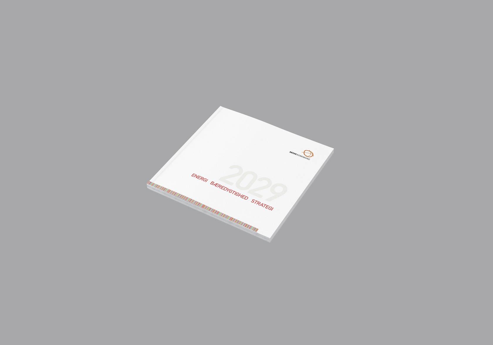Billede der viser design på brochure til Skive Kommunes energistrategi 2022