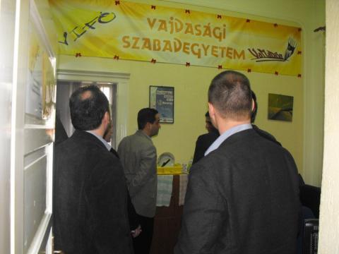 DKMT-HÍD ifjúsági iroda átadás