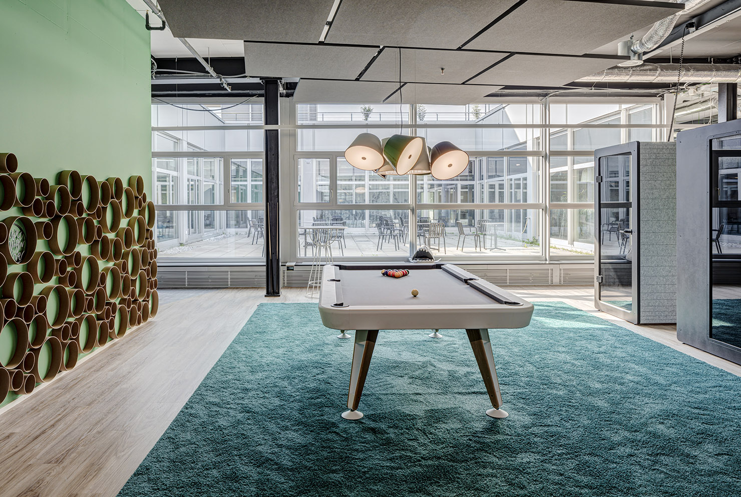Billiardtisch im Coworking Office Limmatstadt Spreitenbach Office LAB Community Zone