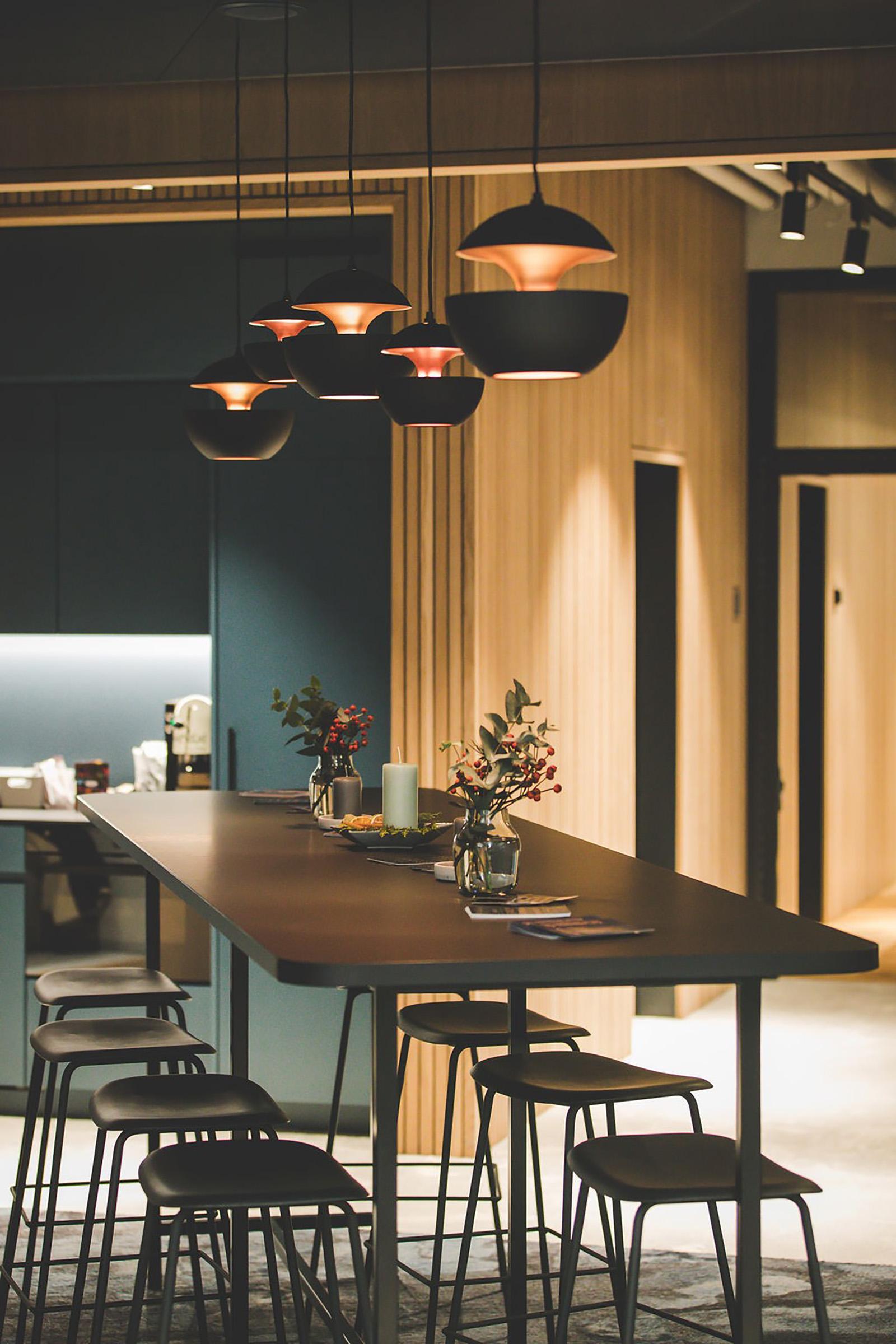 Lunge und flexibles Arbeiten im Coworking Lounge Tessinerplatz, Bahnhof Enge, Arbeitsplatz mieten, Zürich