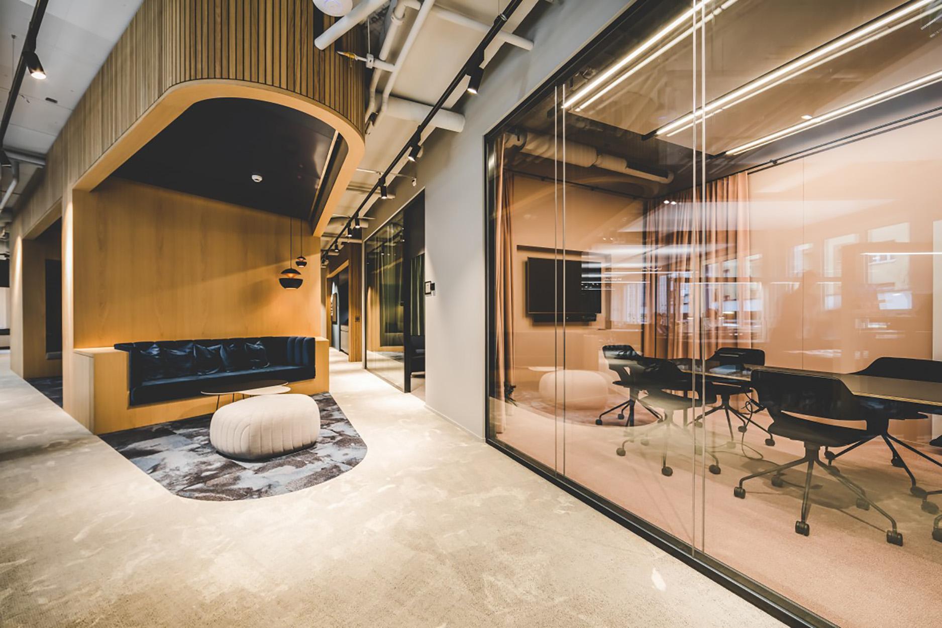 Meetingraum und Lounge im Coworking Lounge Tessinerplatz, Bahnhof Enge, Arbeitsplatz mieten