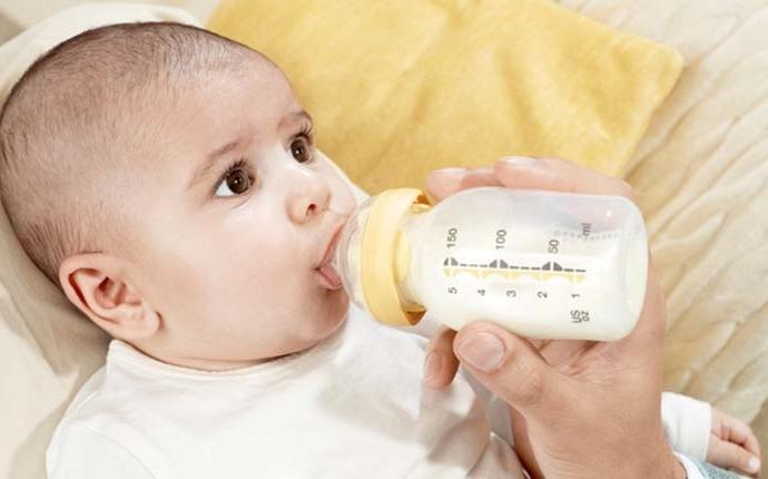 Trẻ sơ sinh bú mẹ bao nhiêu là đủ?