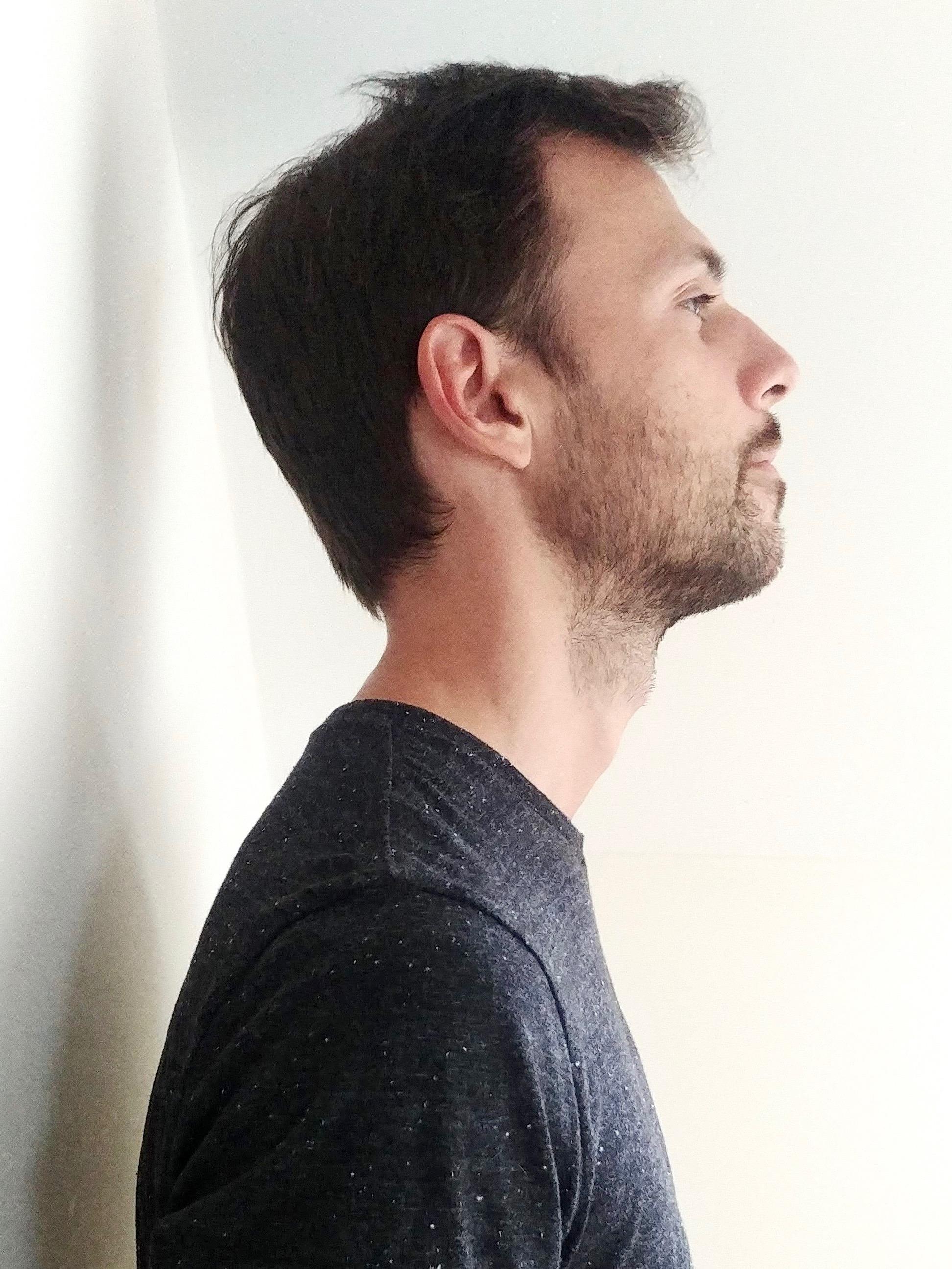 Better posture, chin up image