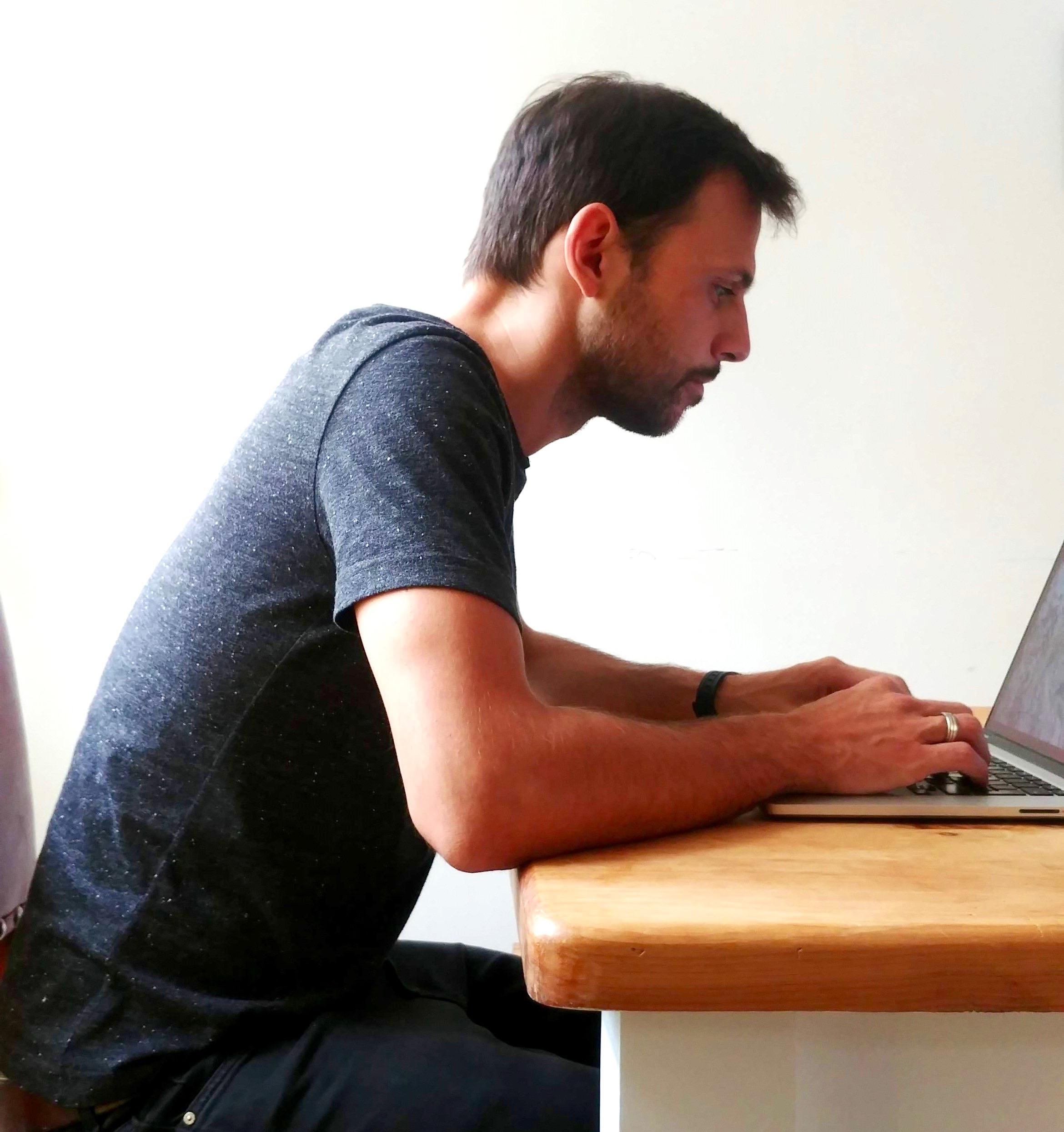 Better posture, slumping at desk image