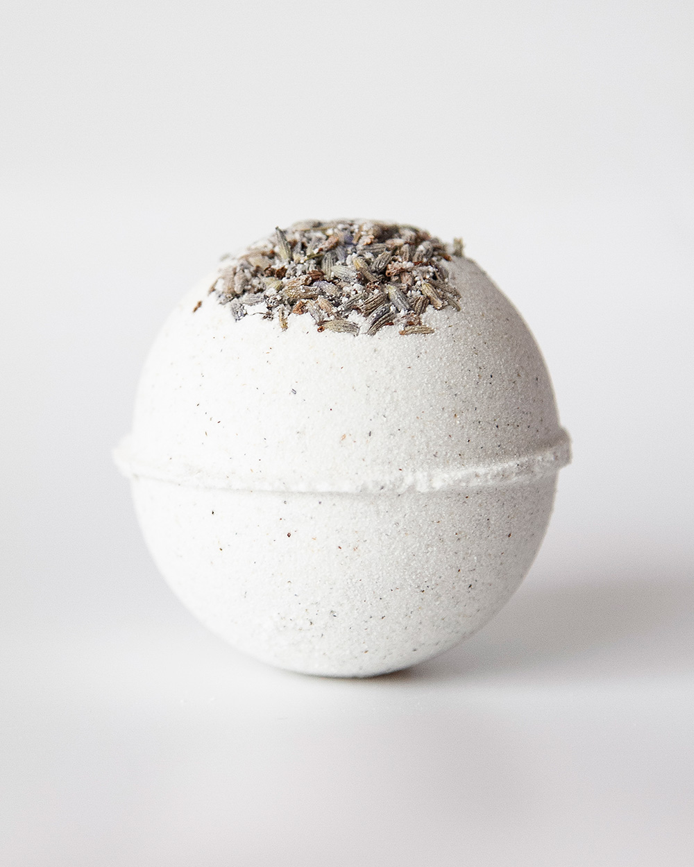 Skinapy natural and organic bath bomb with lavender scent