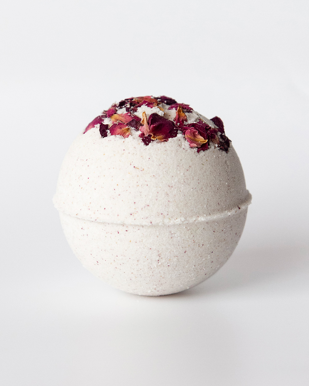 Skinapy natural and organic bath bomb with rose petal scent