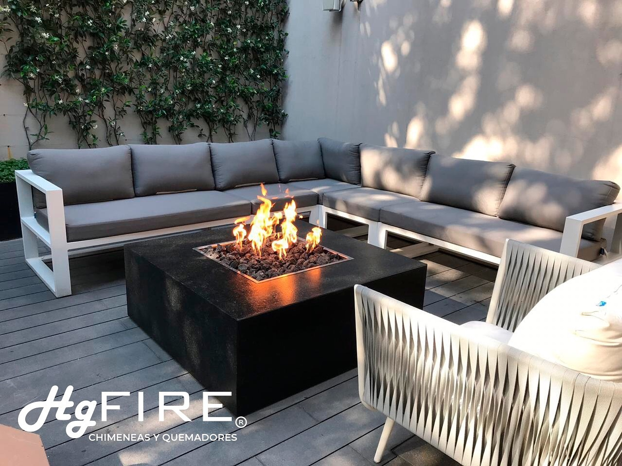No importa qué no haga FRÍO! Las chimeneas en Terrazas ambientarán tu velada. . . . . . #firepit #fireplace #terraza #deck #chimenea #chimeneas