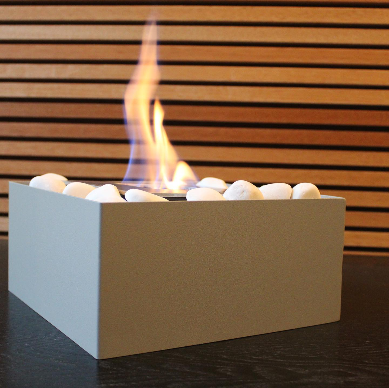 Nuevo modelo!! La chimenea Basic Fire en un color gris rugoso funciona como centro de mesa y como calentador de habitación. #diseñamosconfuego #arquitecturaydiseño #arquiteturadeinteriores #diseñodeinteriores #interiorinspo #interiorismo