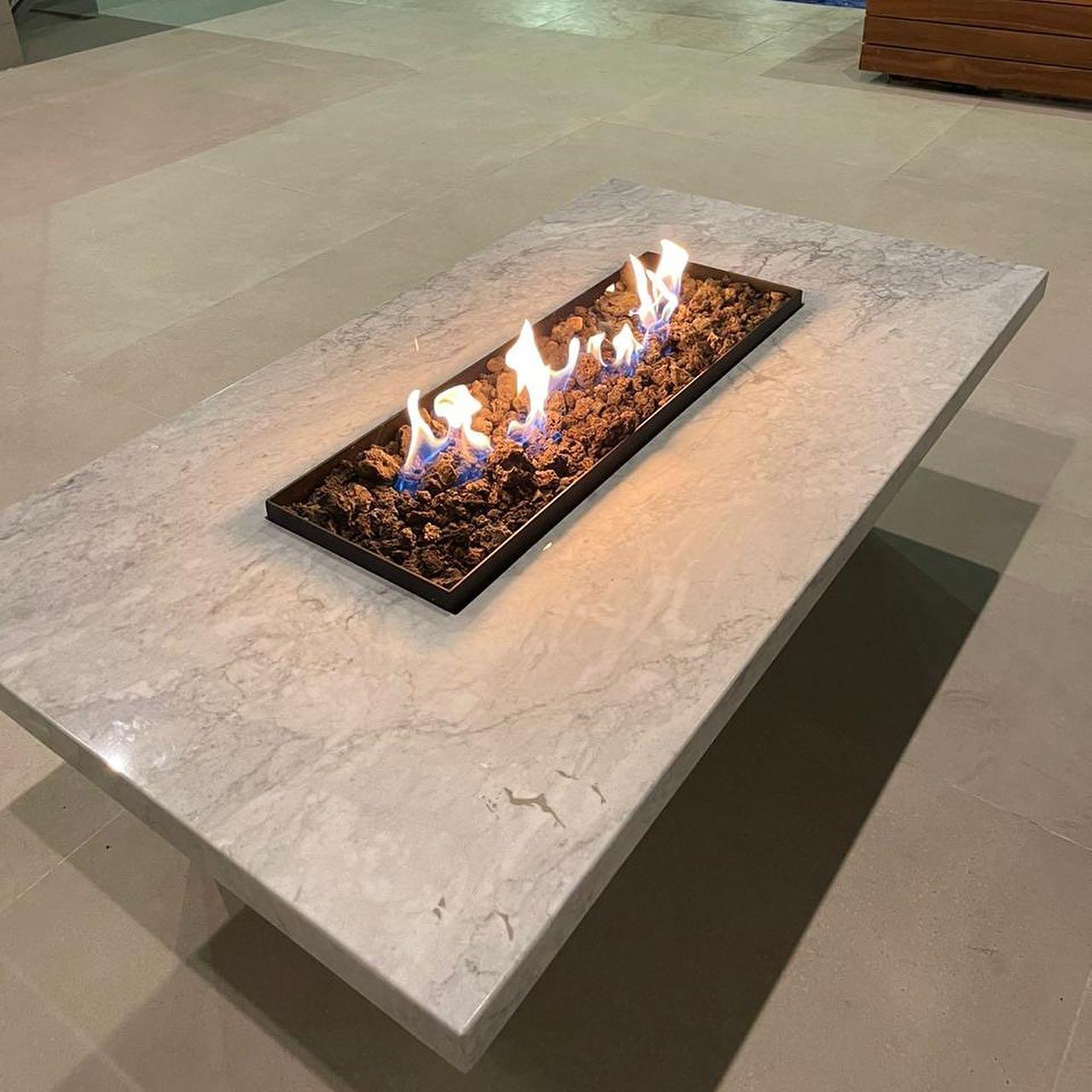 Adapta cualquiera de nuestras mesas con cubiertas de tu granito preferido! #diseñamosconfuego