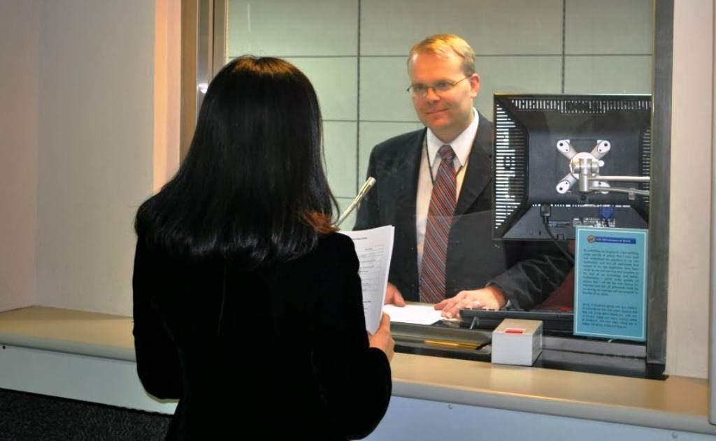 Phỏng vấn được xem là bước cuối cùng cũng là bước quan trọng nhất trong diện bảo lãnh thân nhân đi Mỹ