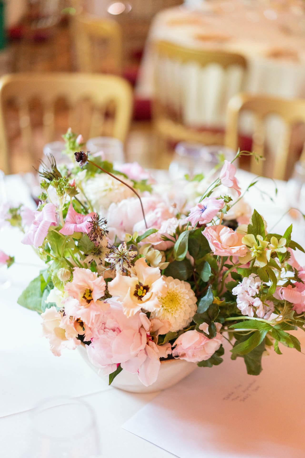 Light and Organic Wedding Flowers Centrepiece