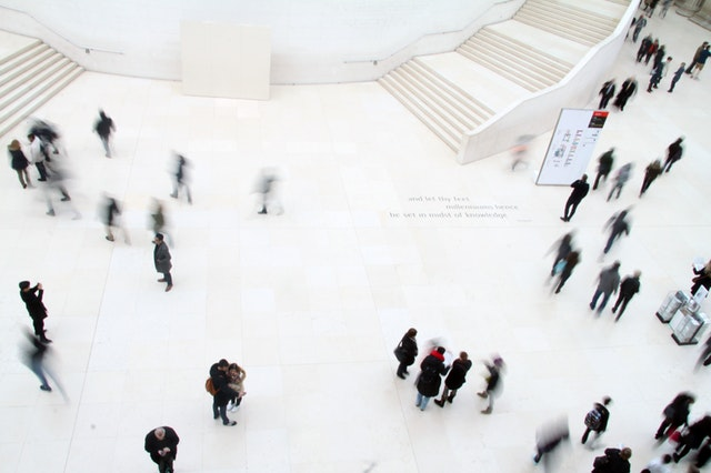 High angle photo of people in ground