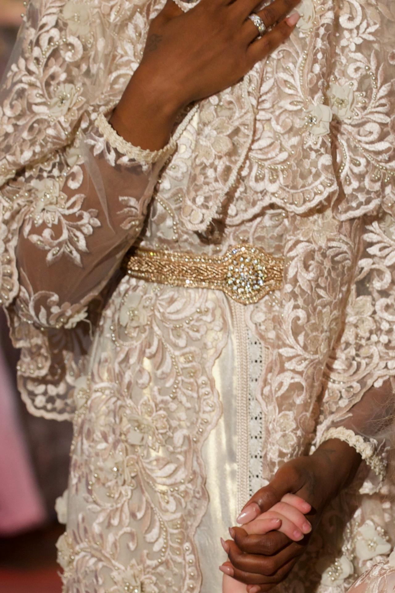Witte bruids takchita