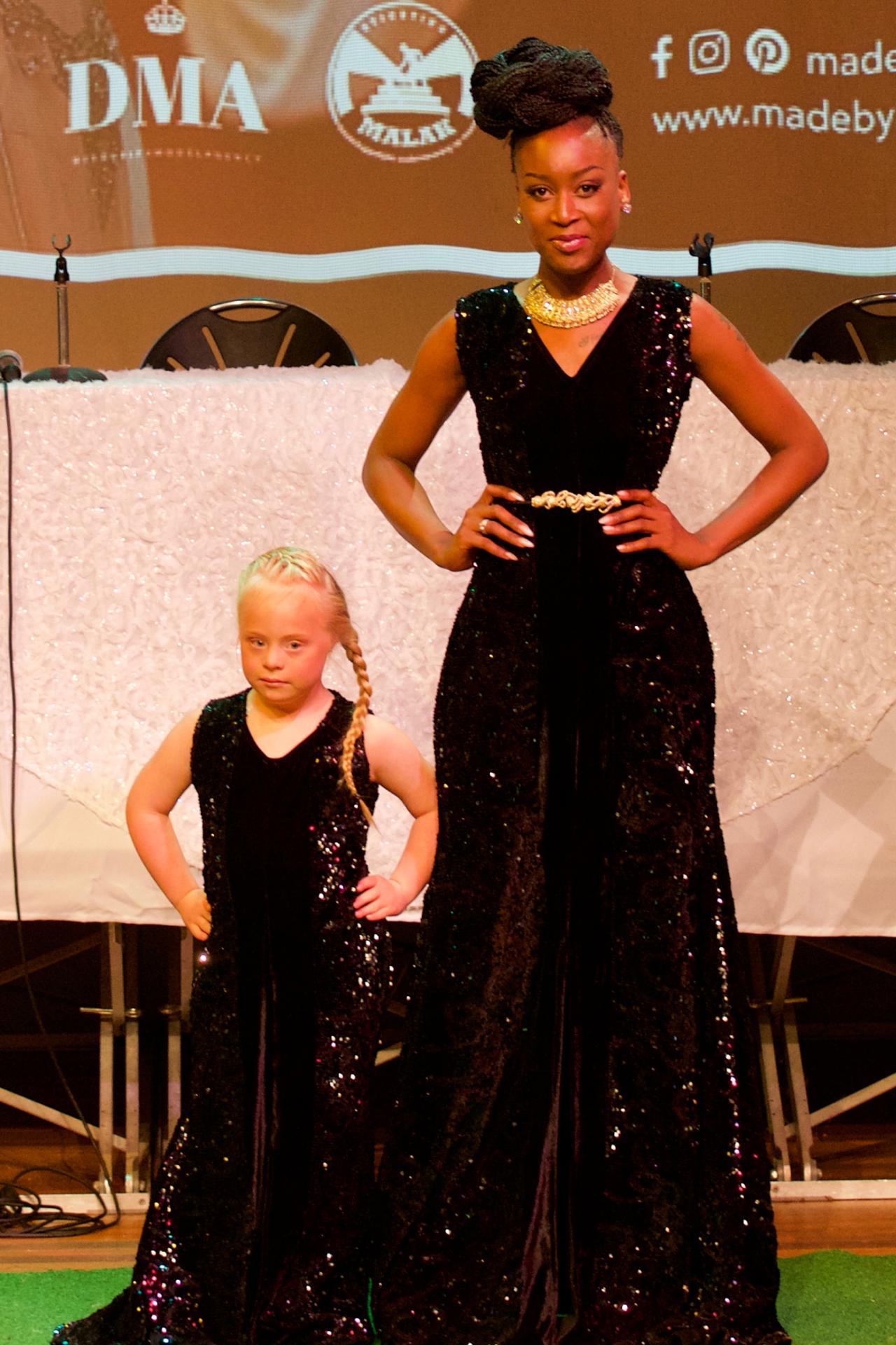 Zwarte V-hals jurk pailletjes