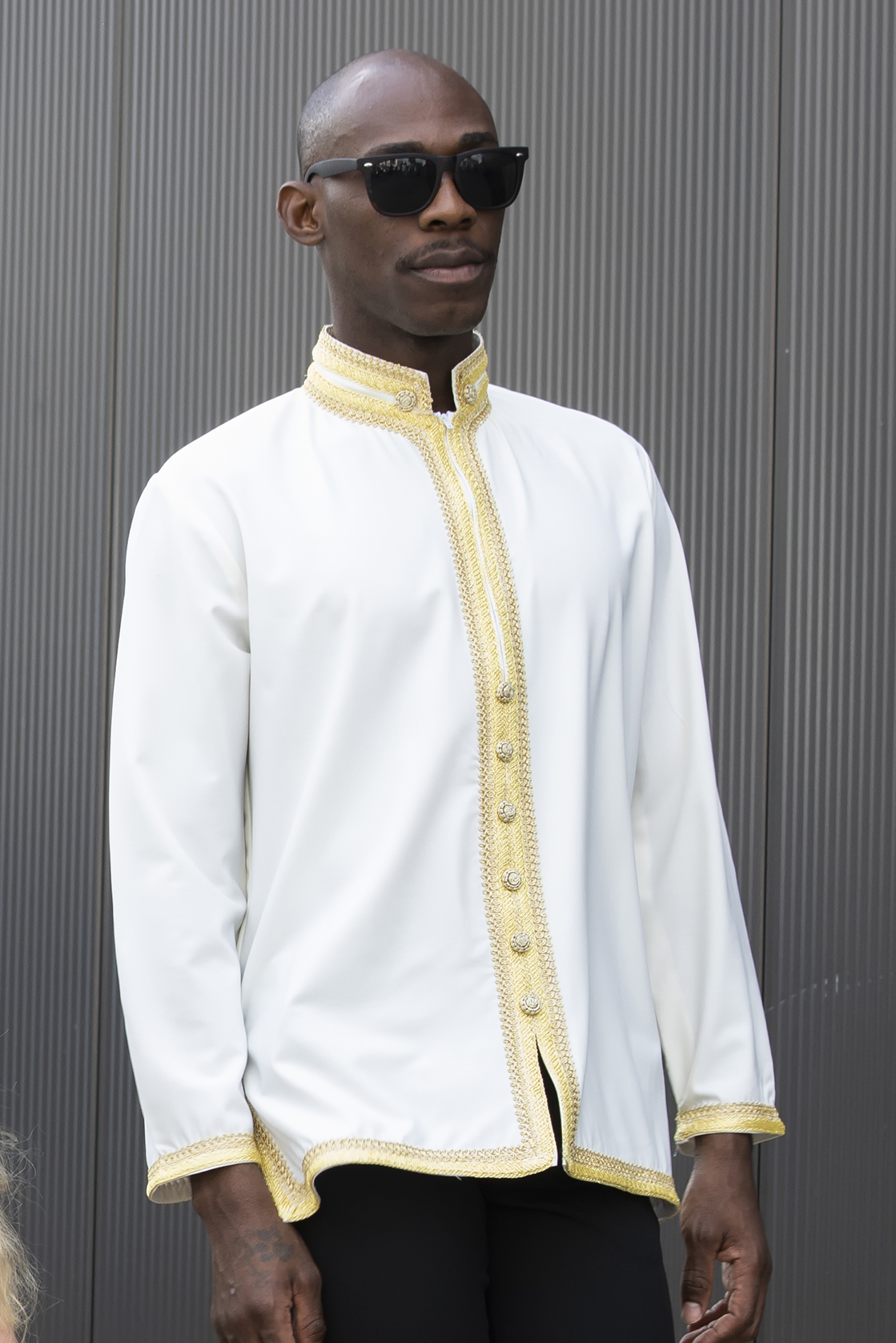 Korte witte jabador gouden sfifa