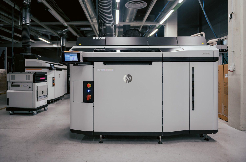 HP-MJF- 5200-3D-Printer