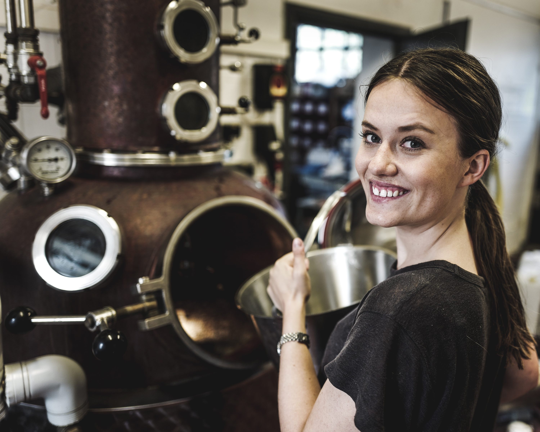 Craft gin distillation