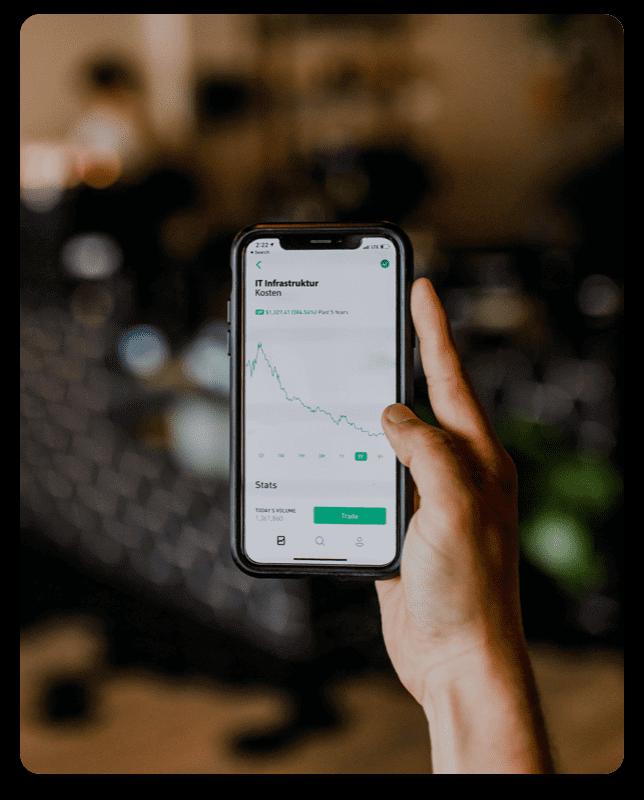 Smartphone mit Statistik auf dem Bildschirm