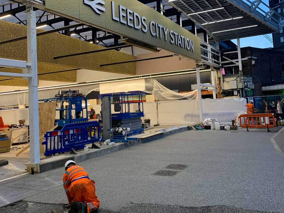 resin dound gangway for leeds city train station