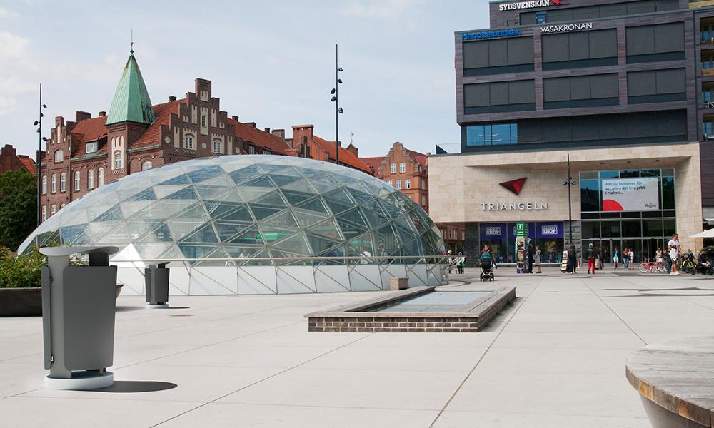 Metal waste bin next to Malmö Triangeln train station