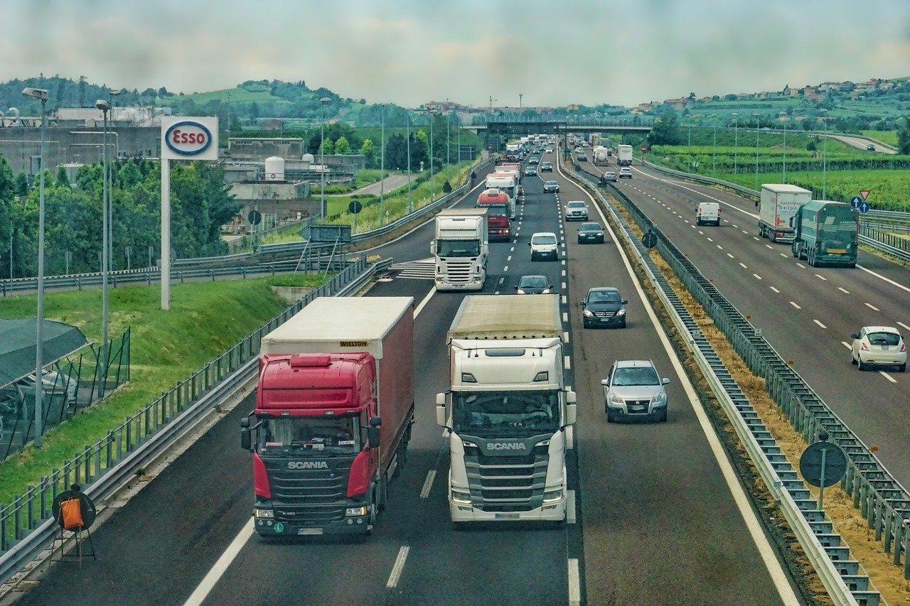 Itens de segurança obrigatórios para caminhões e motoristas