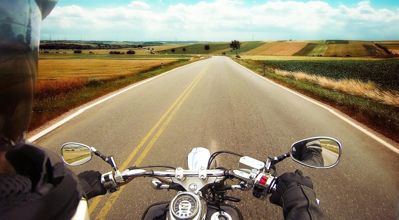 como-viajar-moto-com-seguranca