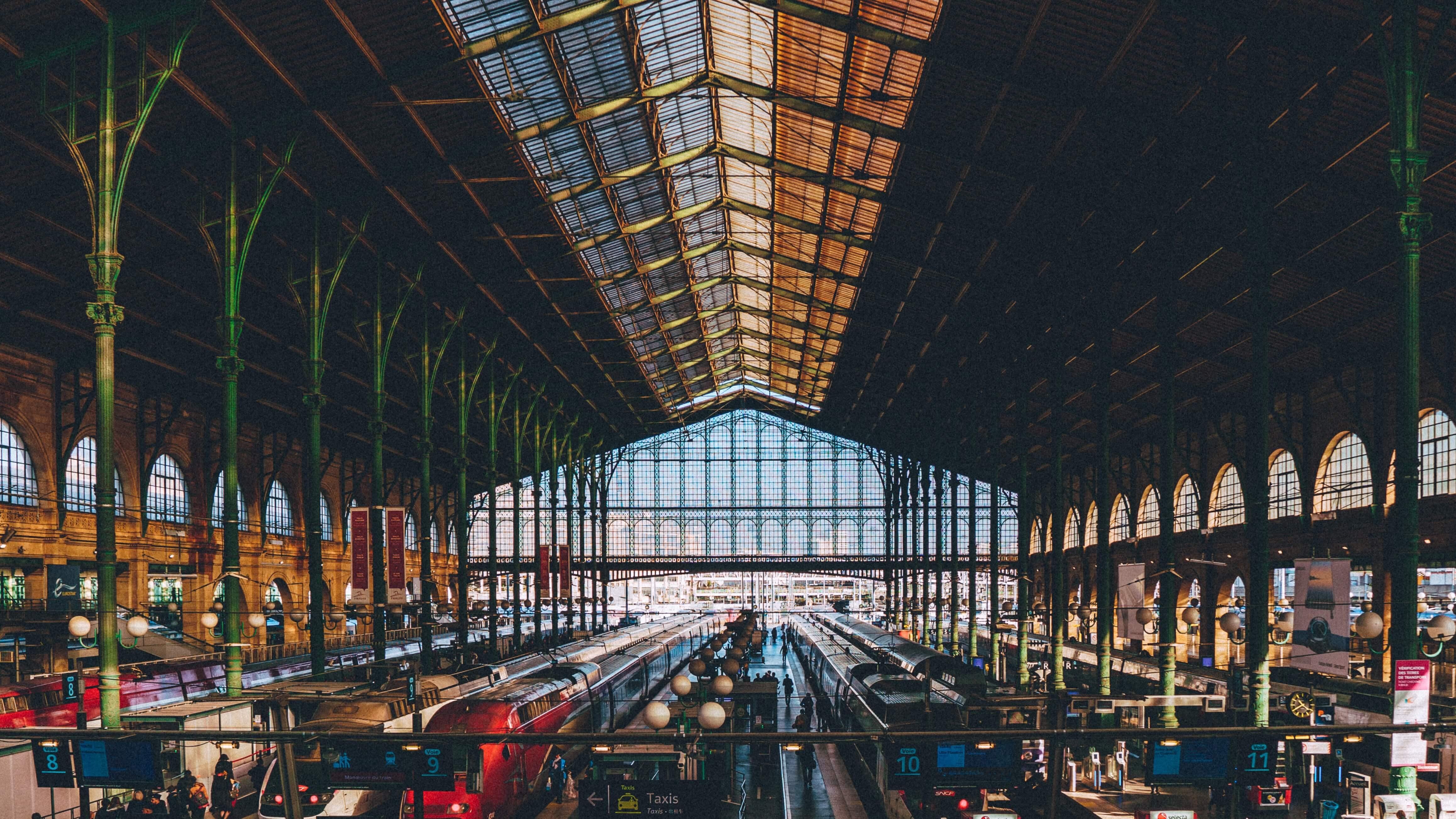 Gare de Paris Taxis TGV