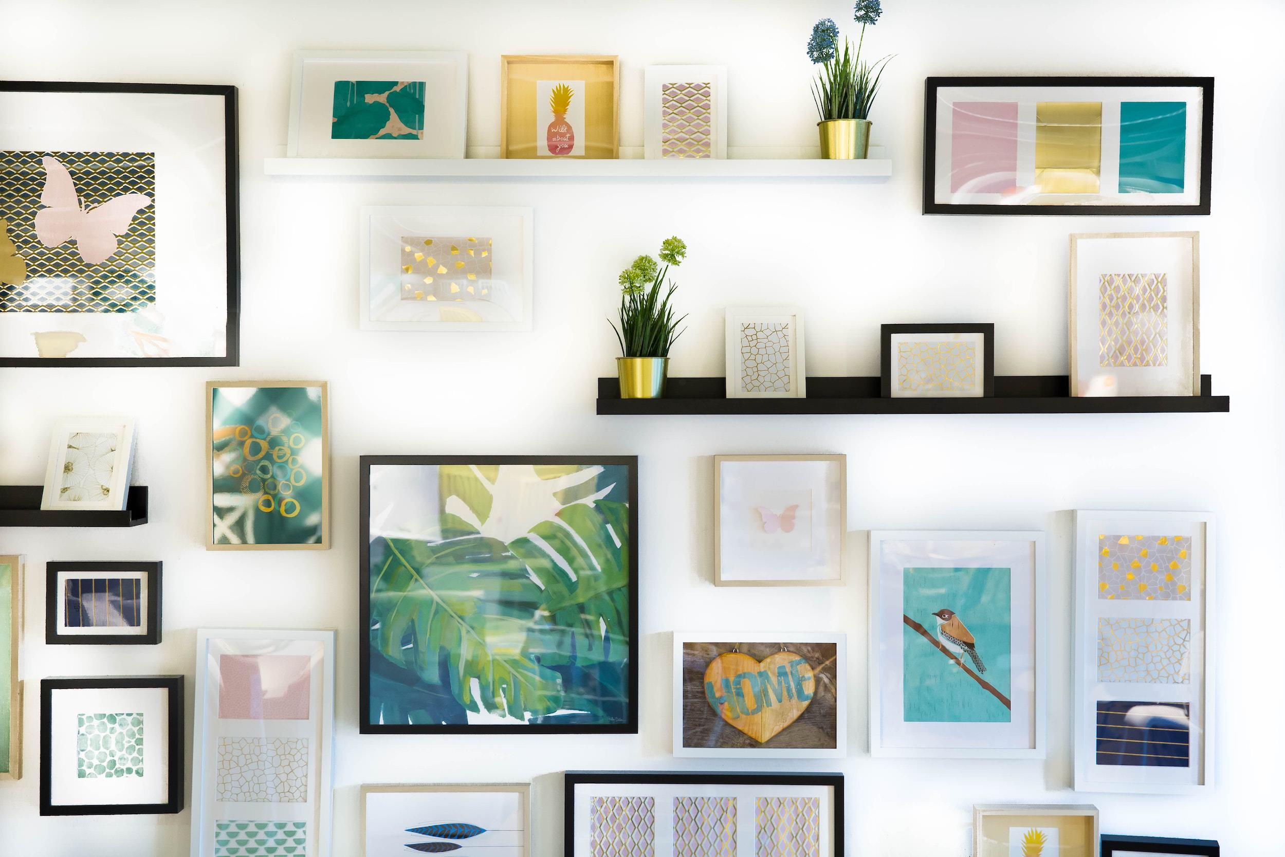 """The common saying for photographers trying to sell prints is """"show big to sell big"""". Here's how to easily sell large prints to your photography clients!"""