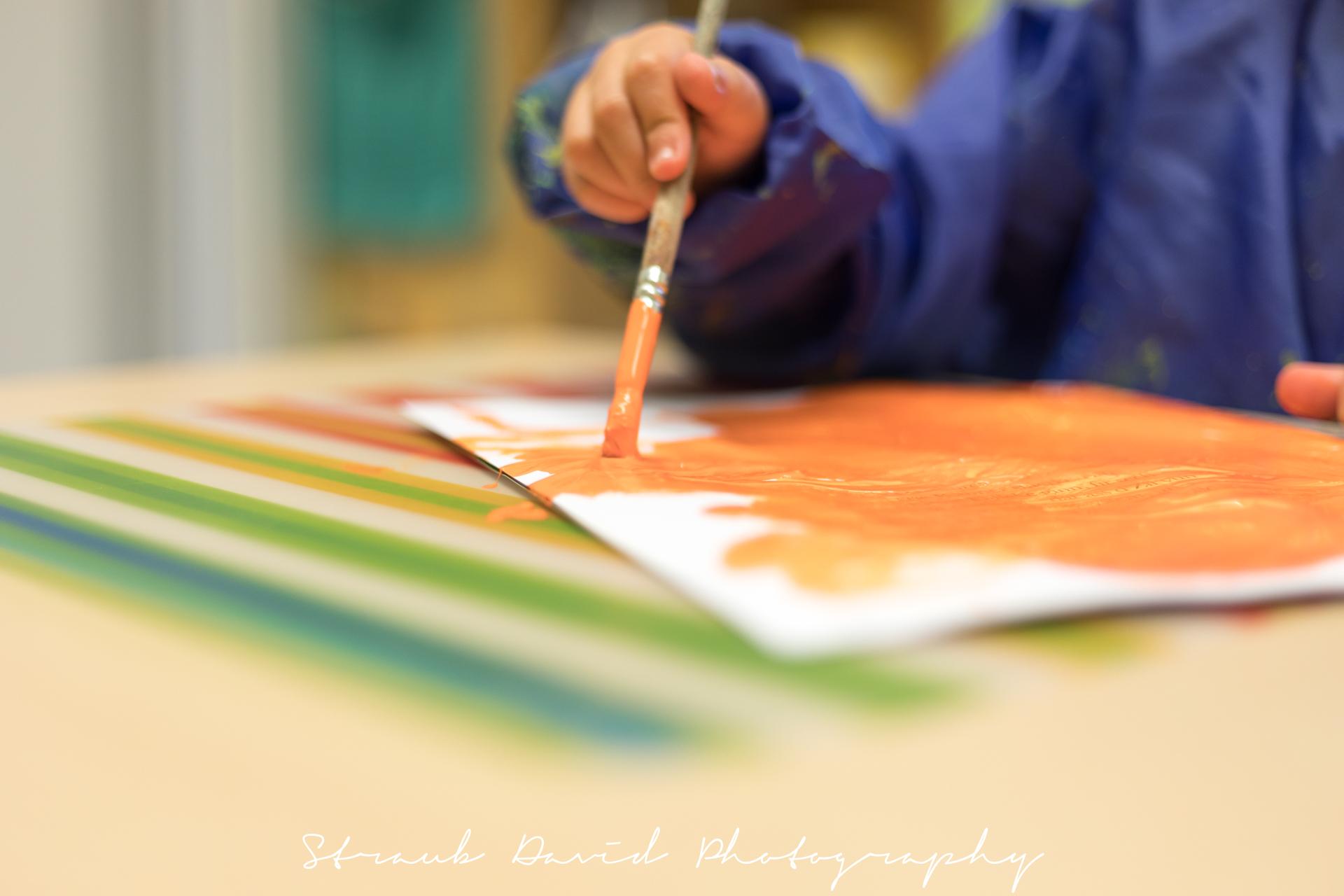 sunflower montessori crèche Luxembourg child hand painting artwork