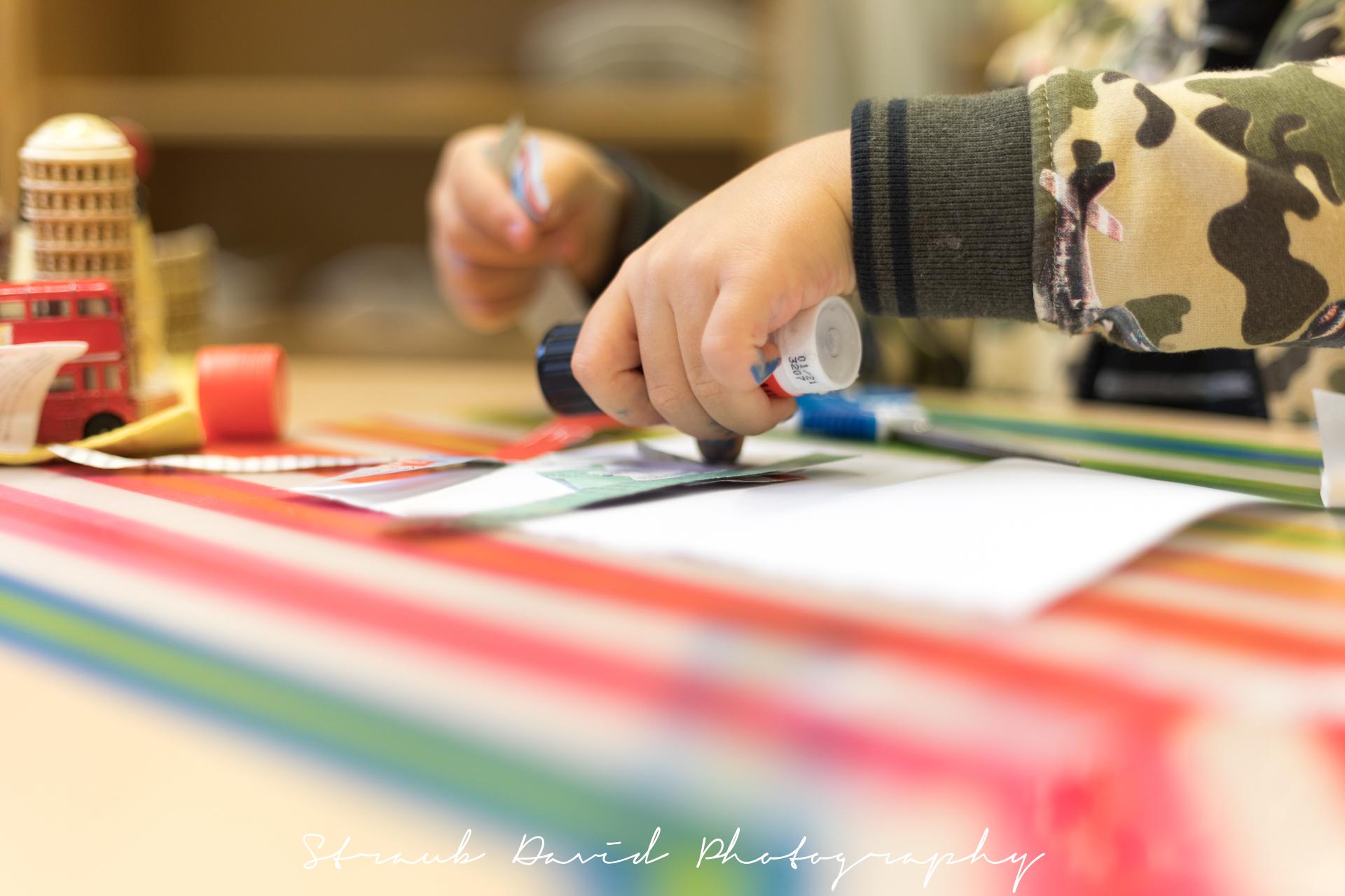 sunflower montessori crèche Luxembourg pencil artwork child hand