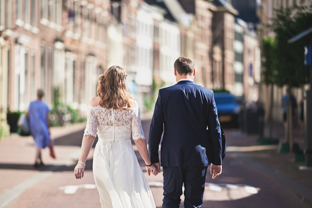 wedding couple taking a walk in haarlem