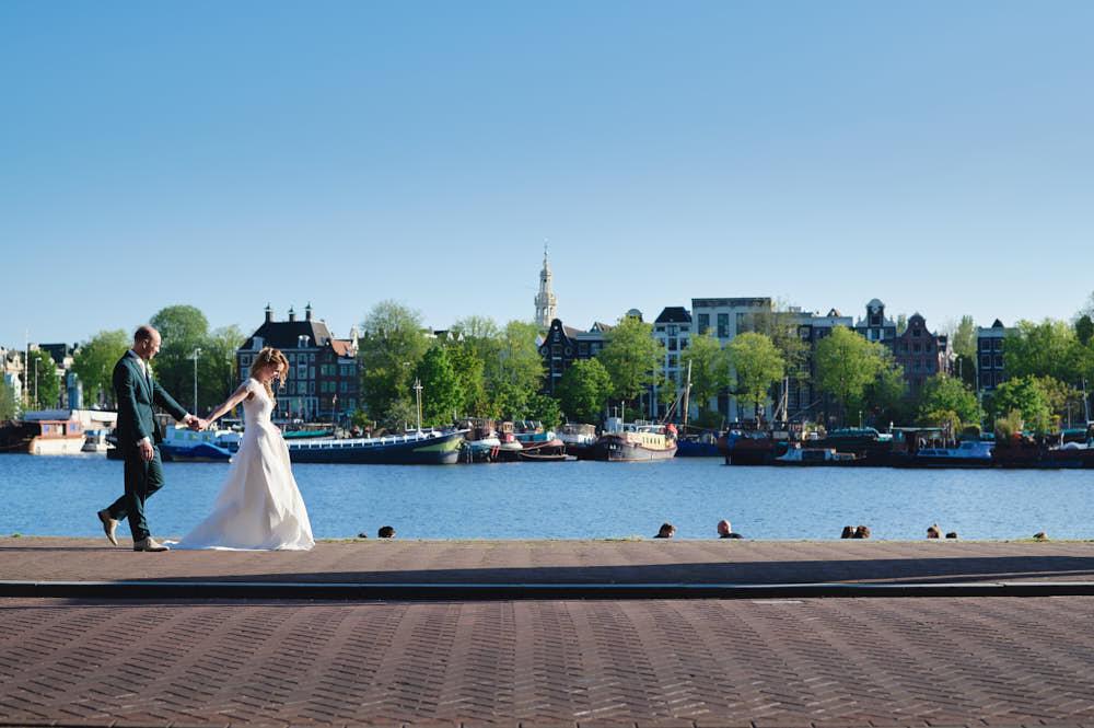 bruidspaar fotoshoot grote markt haarlem