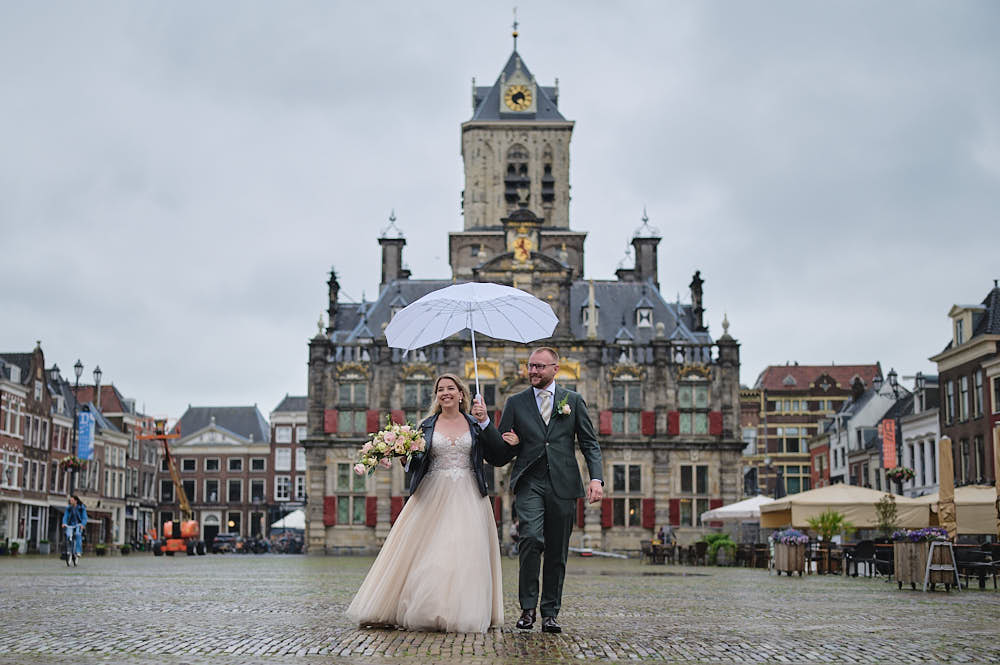 portrait wedding couple grote markt haarlem