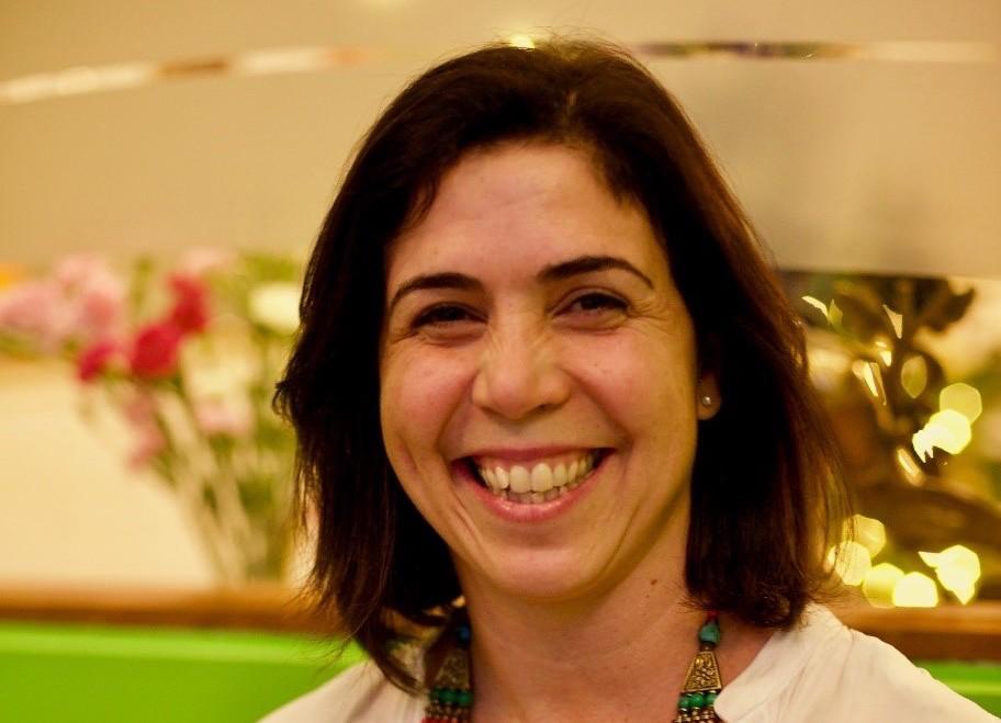 Dr Andrea Maciel