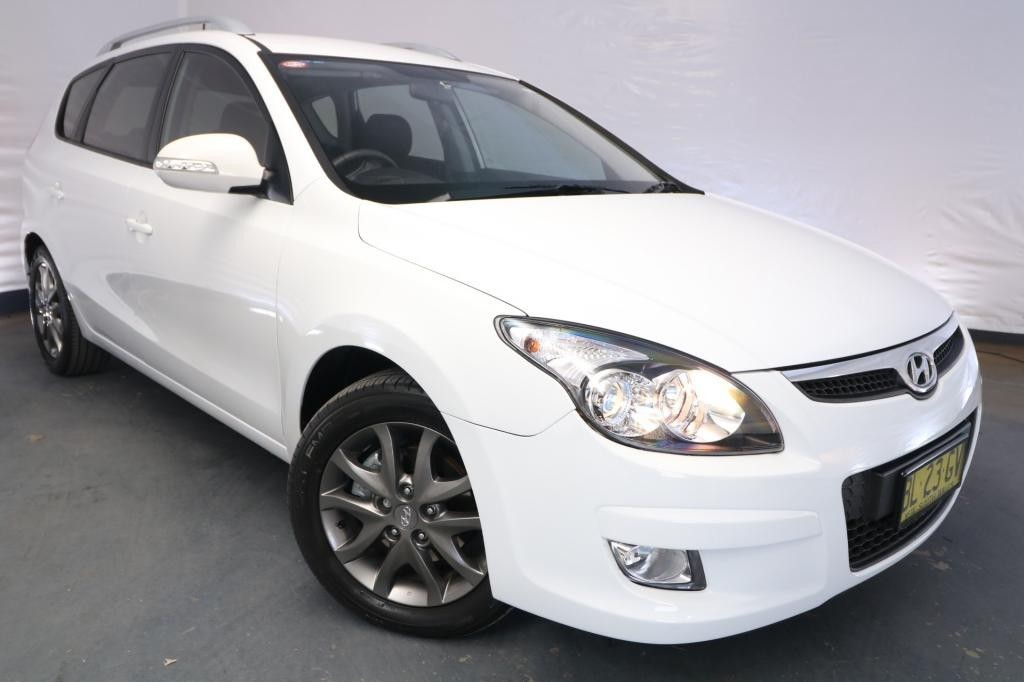 2011 Hyundai i30 cw SLX 2.0 FD MY11 / 4 Speed Automatic / Wagon / 2.0L / 4 Cylinder / Petrol / 4x2 / 4 door / Model Year '11 July release KUU11A