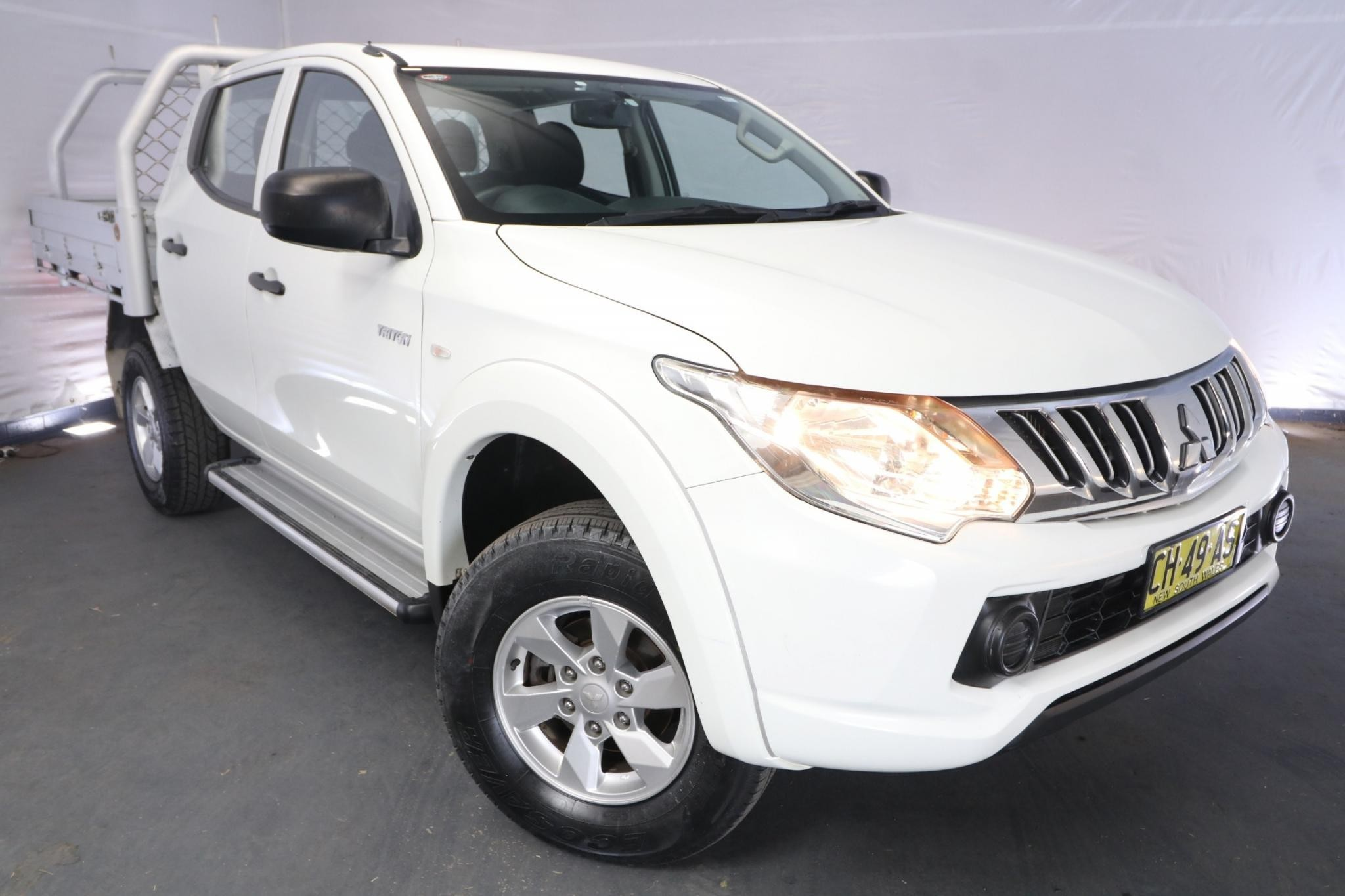 2016 Mitsubishi Triton GLX MQ MY16 / 5 Speed Automatic / Dual Cab Chassis / 2.4L / 4 Cylinder TURBO / Diesel / 4x4 / 4 door / Model Year '16 September release TN516A