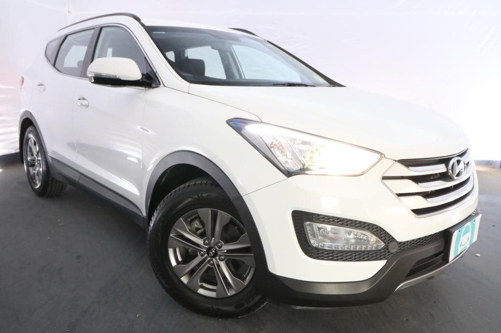 2015 Hyundai Santa Fe ACTIVE CRDi DM MY15 / 6 Speed Automatic / Wagon / 2.2L / 4 Cylinder TURBO / Diesel / 4x4 / 4 door / Model Year '15 September release RLJ15A