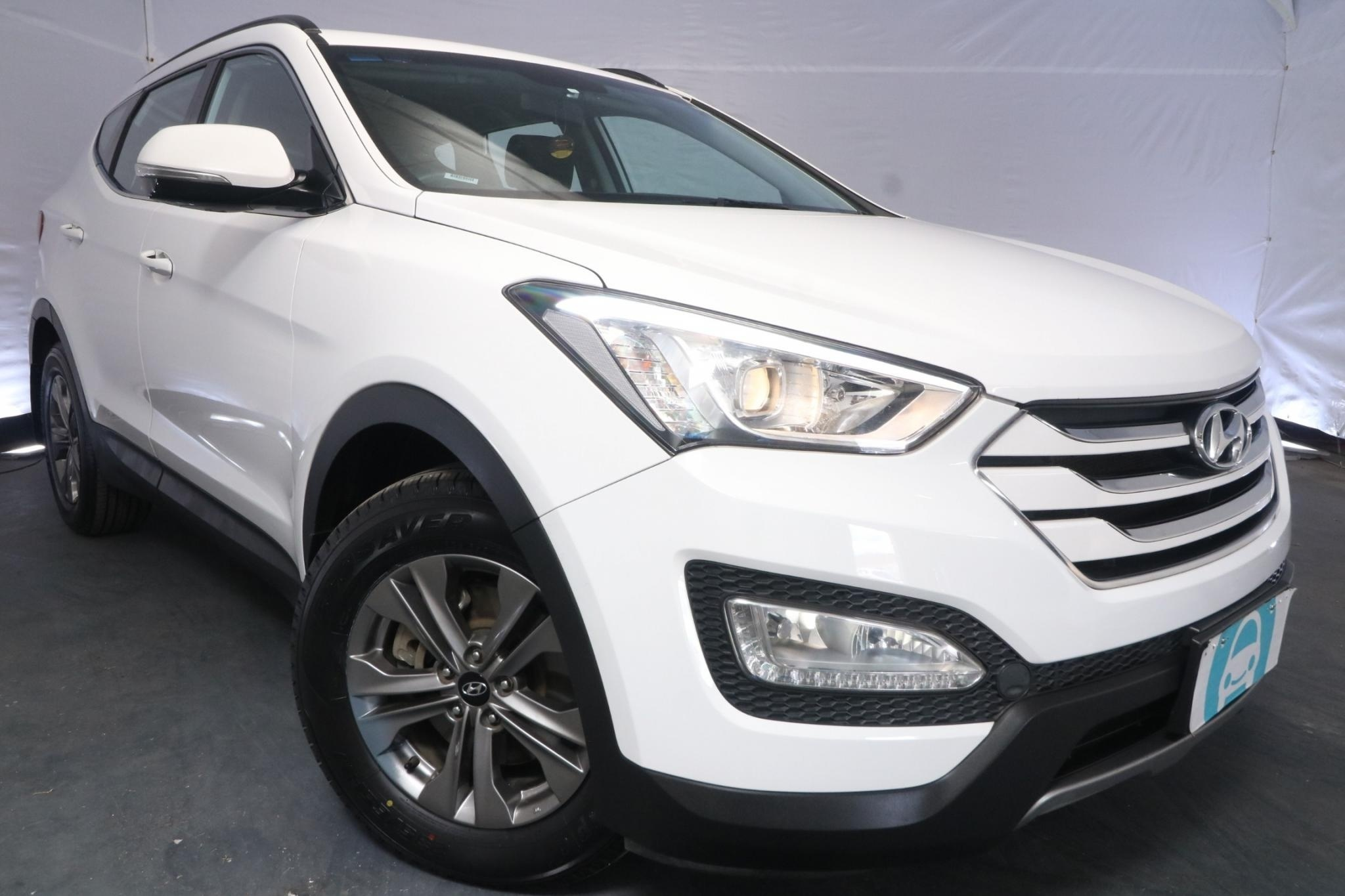 2015 Hyundai Santa Fe ACTIVE DM MY15 / 6 Speed Automatic / Wagon / 2.4L / 4 Cylinder / Petrol / 4x4 / 4 door / Model Year '15 September release RLH15A