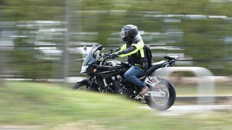 Fährt künstliche Intelligenz bald auf dem Motorrad mit?