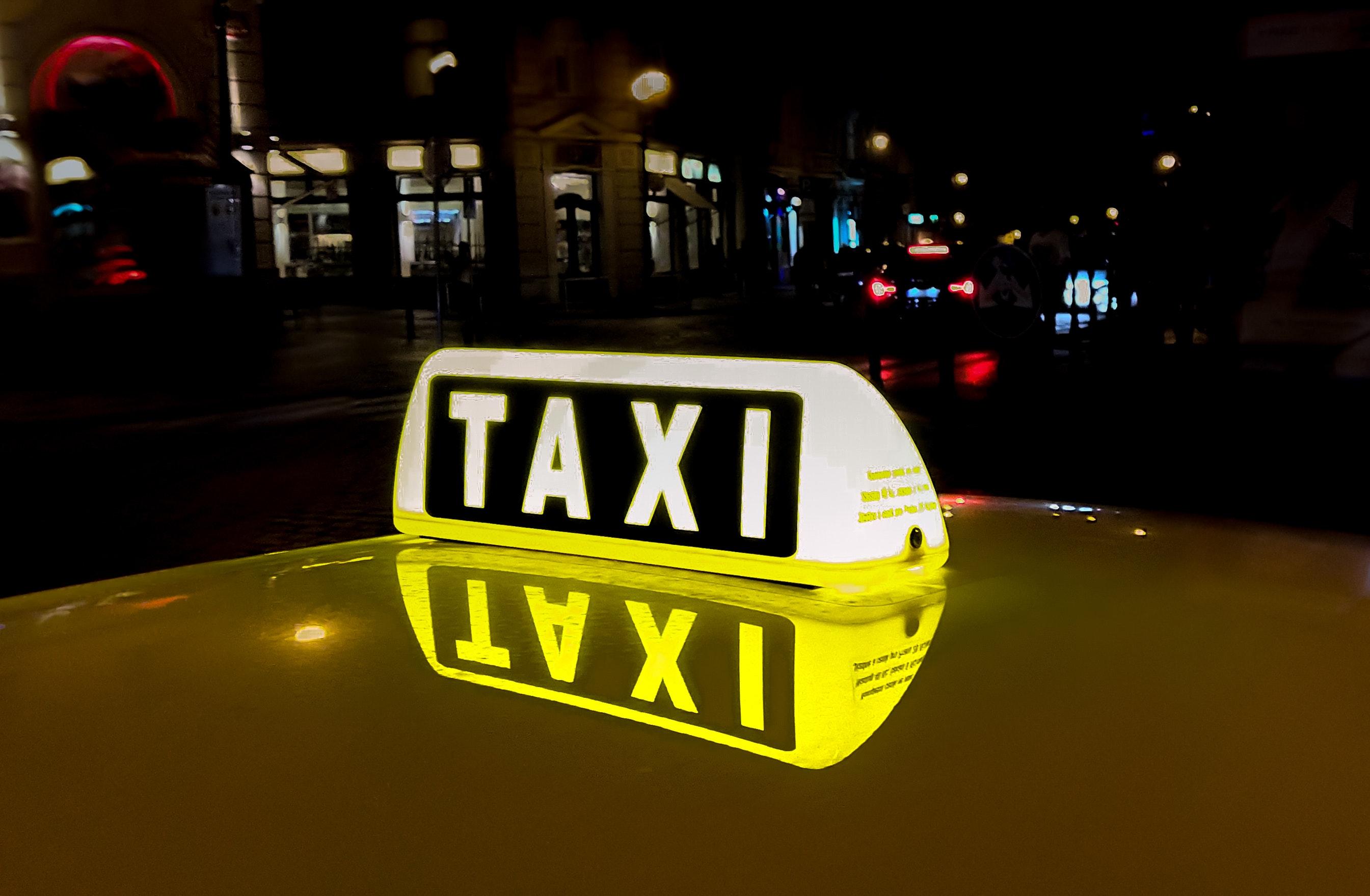 Kompromiss beendet Streit: Berliner Taxis dürfen bald am BER laden
