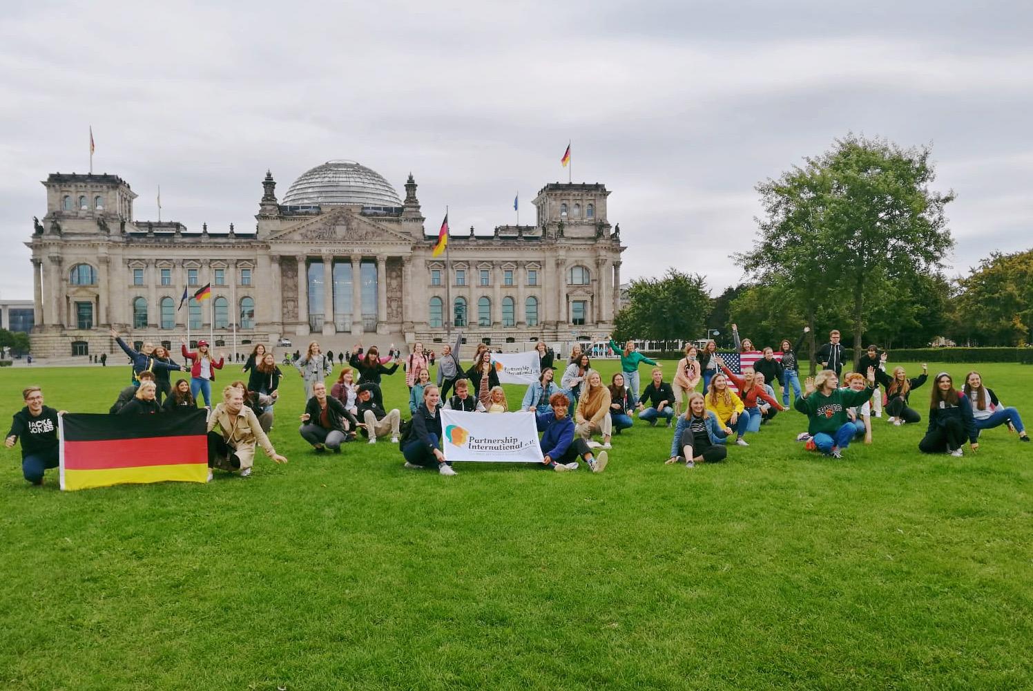 Von Berlin in die USA: Daniela Kluckert vergibt Vollstipendium an Gesine (15)