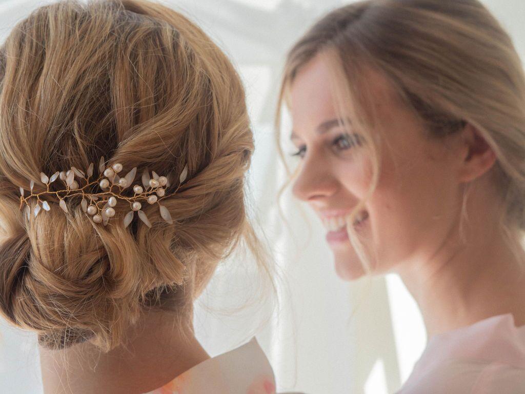 gorgeous-romantic-boho-bridal-messy-bun-london