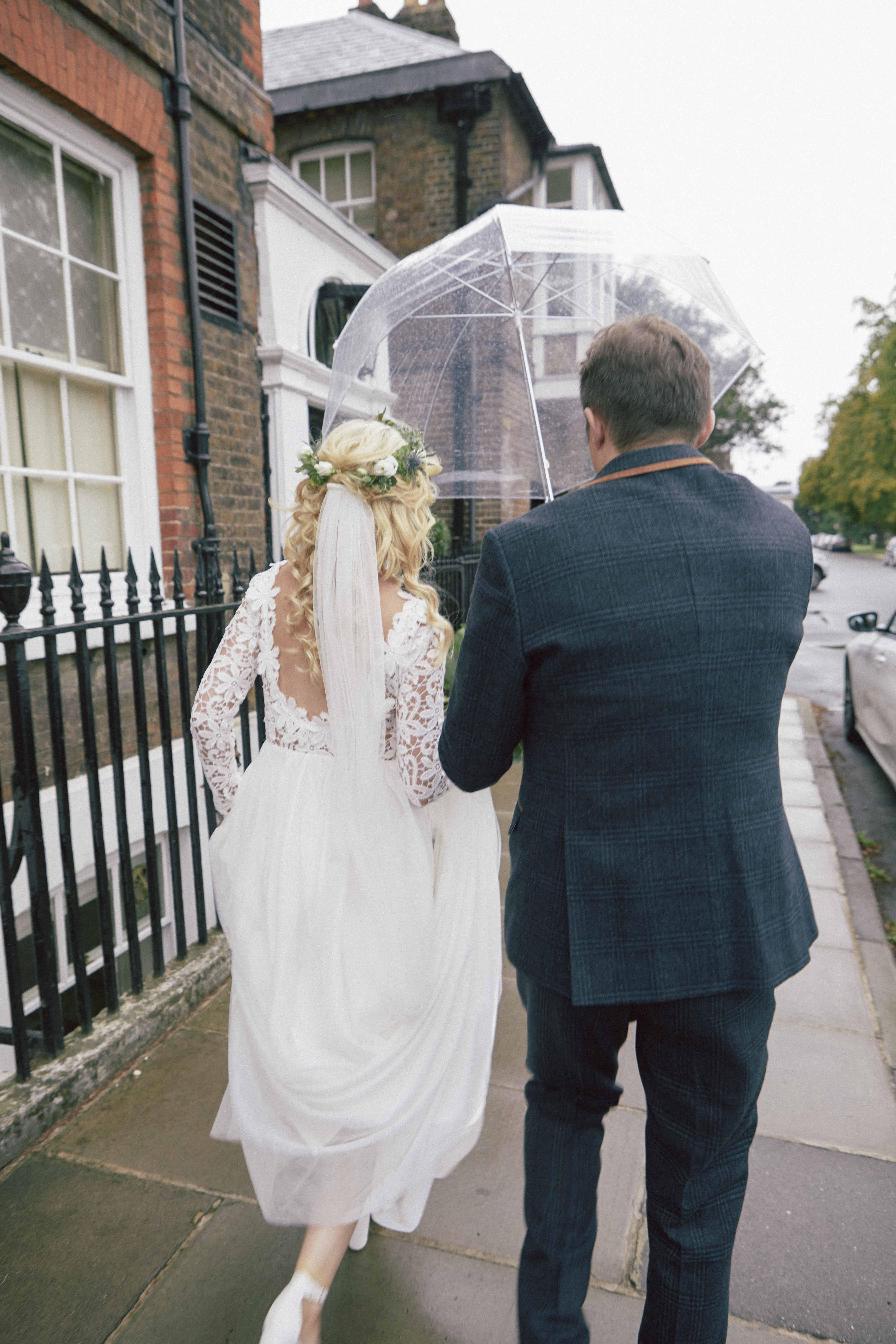gorgeous-romantic-boho-bride-with-umbrella- London