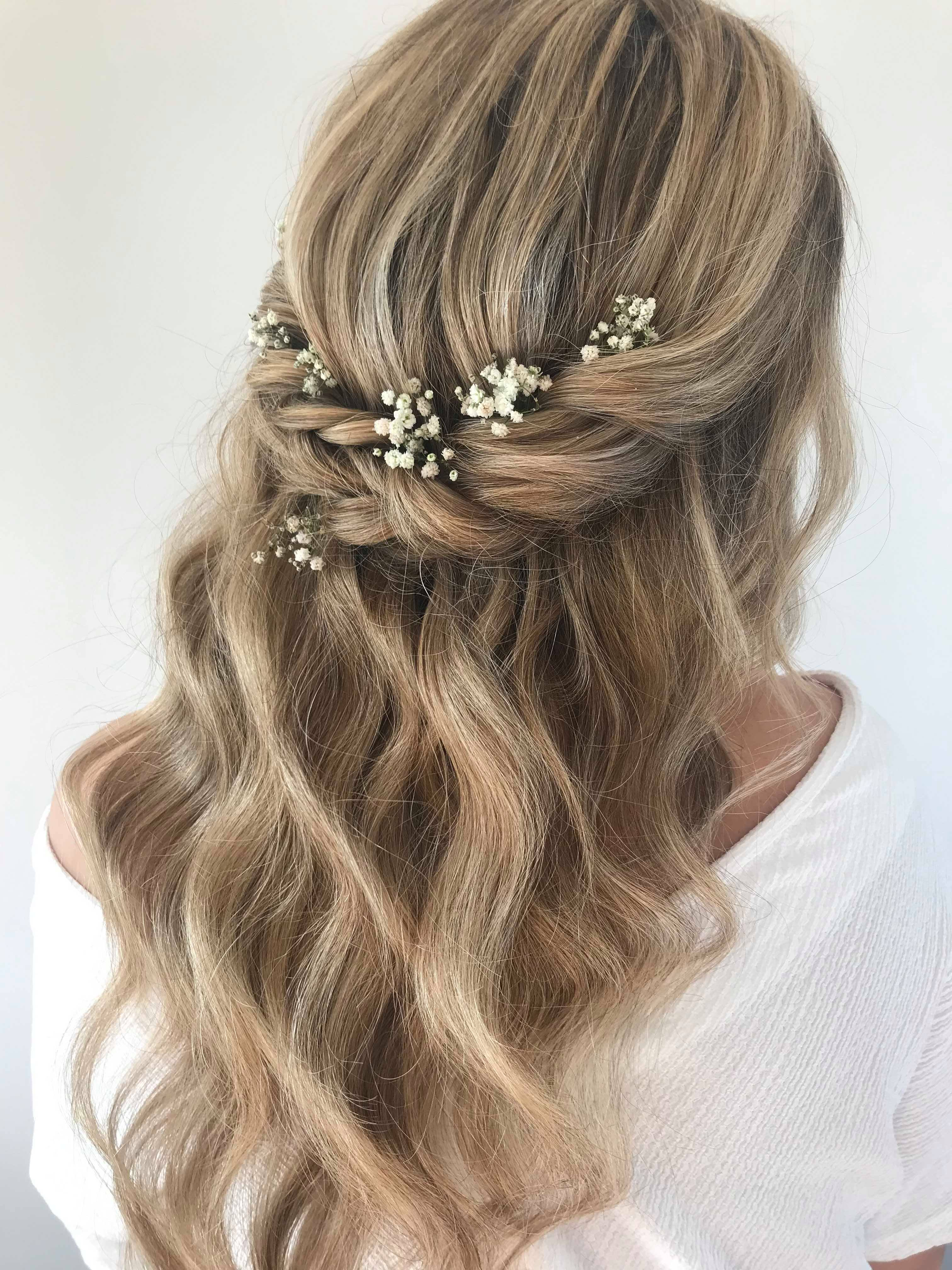 gorgeous-boho-bridal-half-up-half-down-beach-waves-hair-style-with-flowers-london
