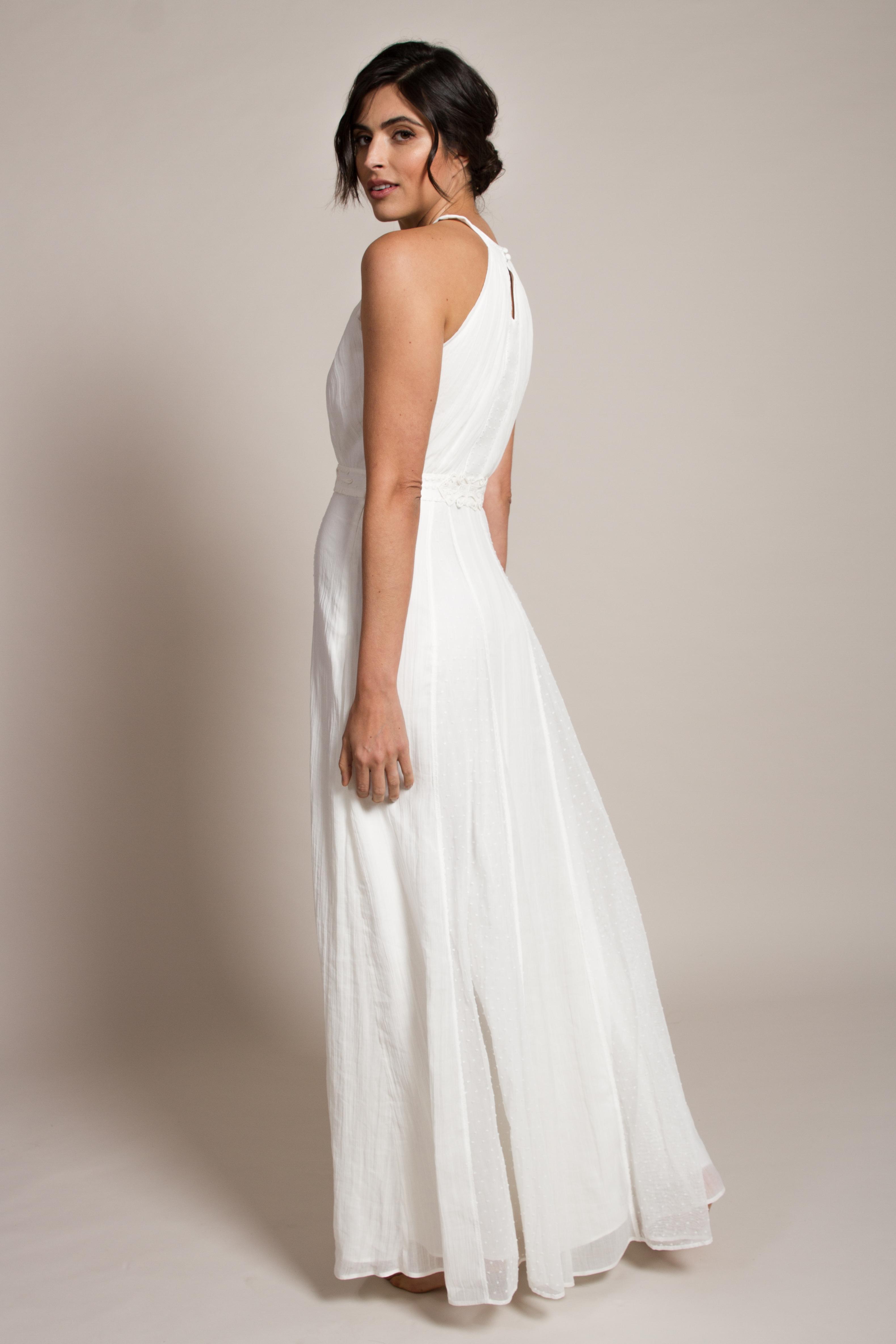 romantic-boho-bride-in-dress-london