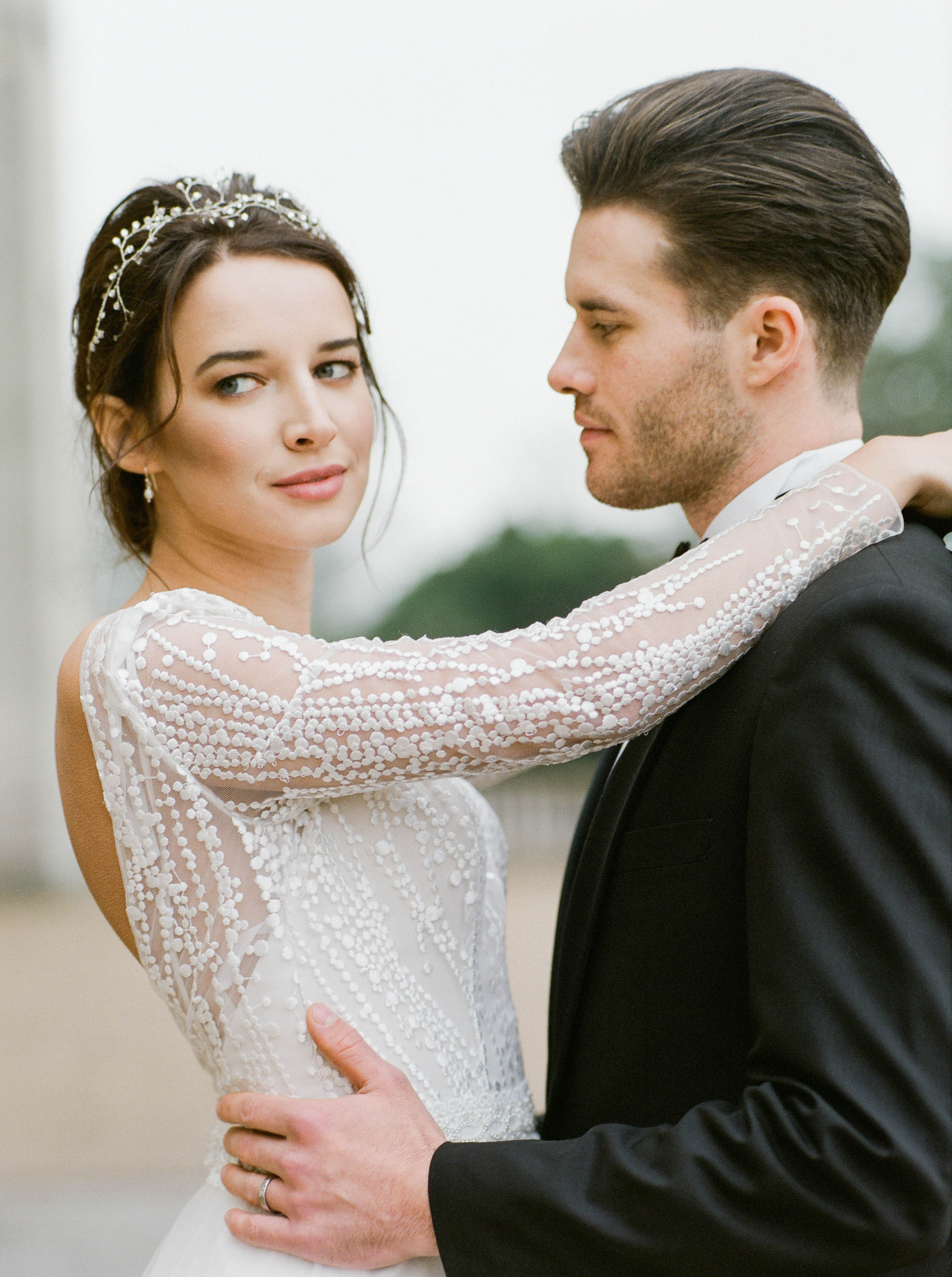 gorgeous-modern-couple-just-married-in-Italian-style-wedding-venue-London